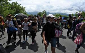 Una caravana de migrants posa rumb als Estats Units