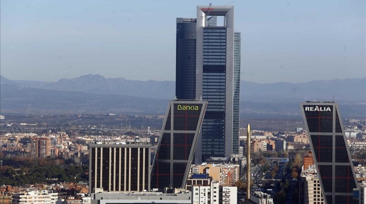 La Torre Cepsa, el edifico más alto en la foto, propiedad de Pontegadea.