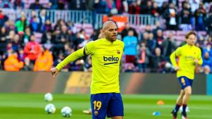 Braithwaite calienta antes del Real Sociedad-Barça de marzo del 2020, el último con público en el Camp Nou.