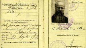Pasaporte del monje y arqueólogo Bonaventura Ubach de 1921, el año en que se generalizó el pasaporte homologado internacionalmente.