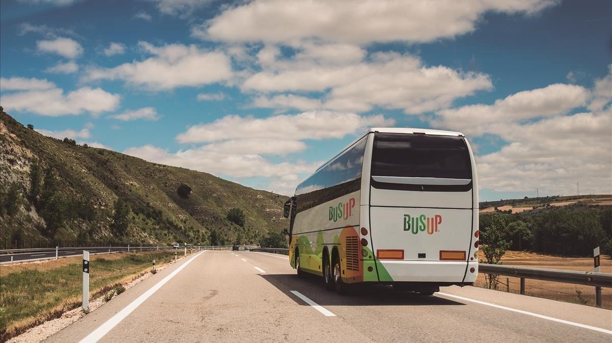 Les empreses d'autobusos no volen deixar seients buits