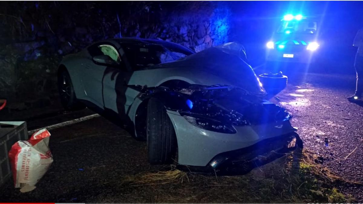 Así quedo el coche de Salva tras el accidente que tuvo la madrugada del domingo en Andorra.