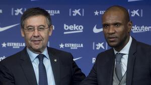 Bartomeu y Abidal, en la presentación de Quique Setién como técnico del Barça.