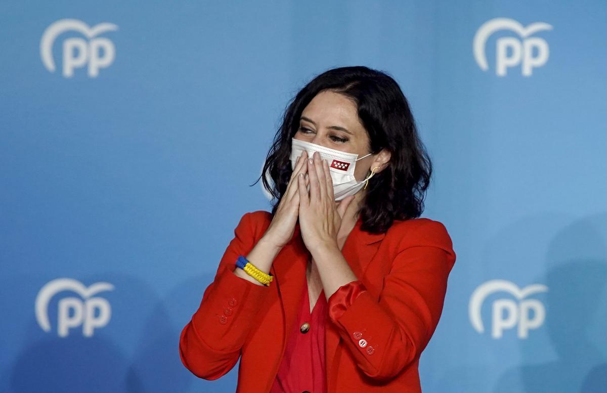 Isabel Díaz Ayuso en la noche electoral al conocer los resultados