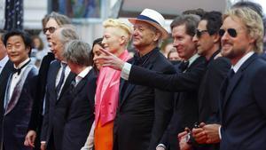 Wes Anderson, tercero por la derecha, acompañado por parte del reparto de 'La oficina francesa', entre ellos Owen Wilson, Adrien Brody, Bill Murray y Tilda Swinton