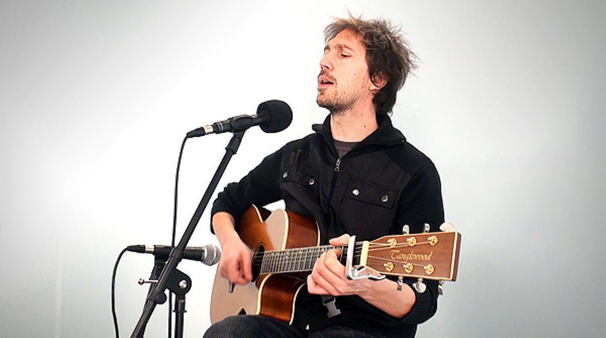 Èric Vinaixa interpreta'Imants', en acústico.
