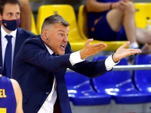 Sarunas Jasikeviciusda instrucciones en su debut liguero como entrenador en elPalau Blaugrana.