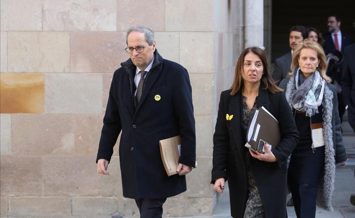 El presidente de la Generalitat, Quim Torra, y parte de su Govern, antes de la reunión del pasado martes.