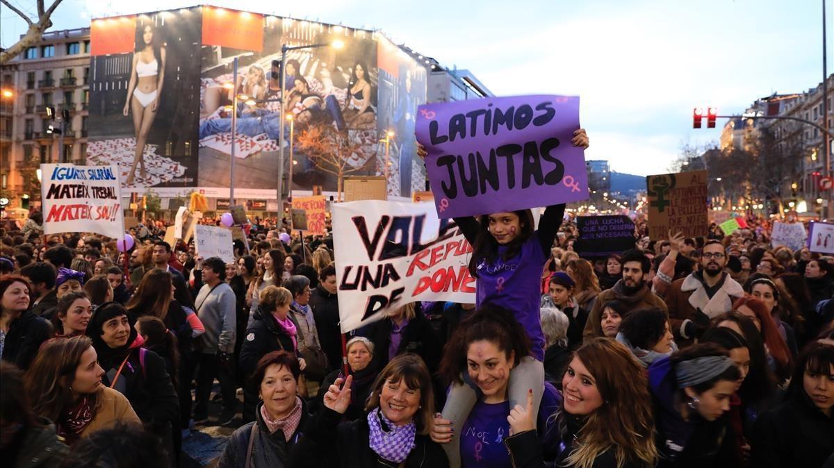 La manifestación feminista del 8-M del año pasadoen Barcelona, en el paseo de Gràcia.