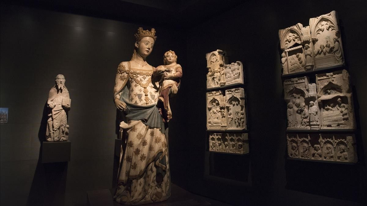 La Virgen de Bellpuig de les Avellanes, de estilo gótico y realizada porBartomeu de Robió, esuna de las piezas claves del Museu de Lleida.