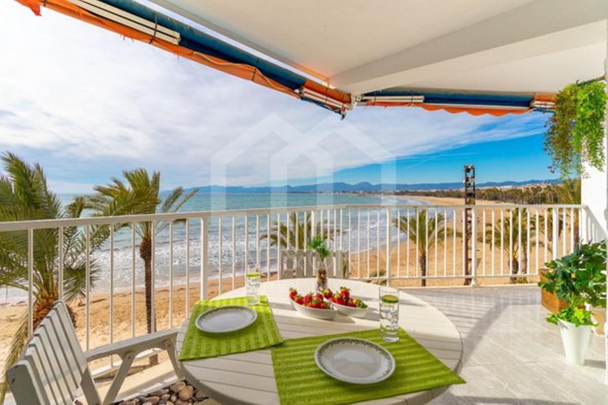 Oportunidades para comprar piso en Salou, con viviendas a pie de playa y totalmente equipadas