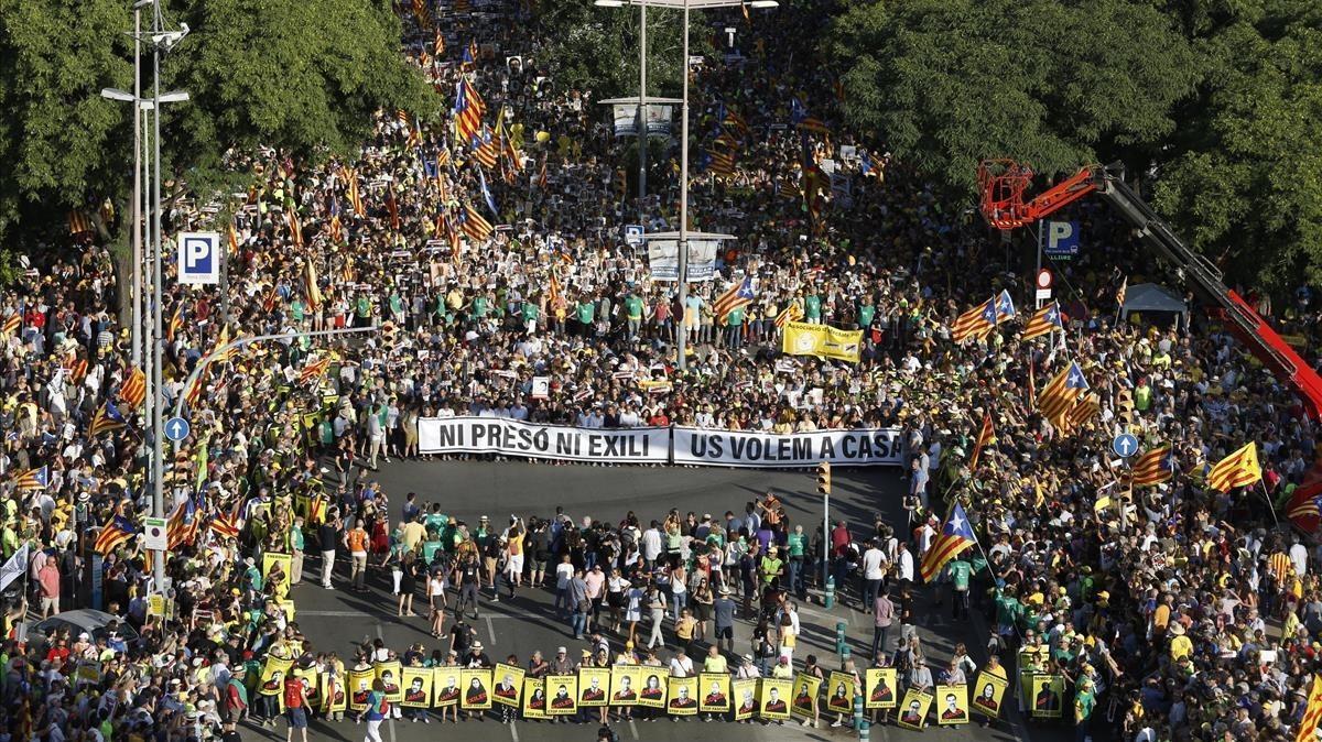 Una imagen de la manifestación por la libertad de los políticos presos, este sábado, en Barcelona.
