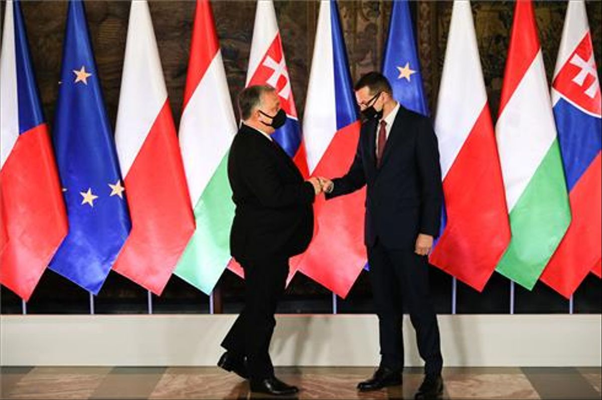 Los primeros ministros de Hungría y Polonia.