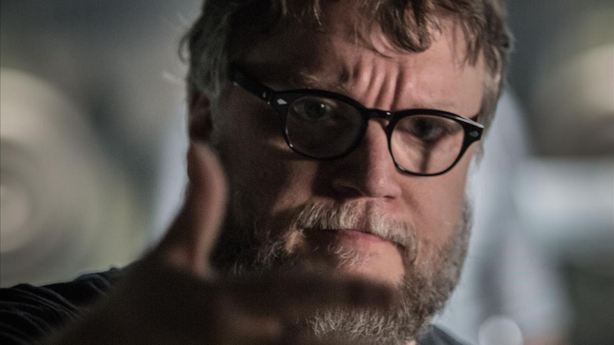 Guillermo del Toro, en el rodaje de 'La forma del agua'