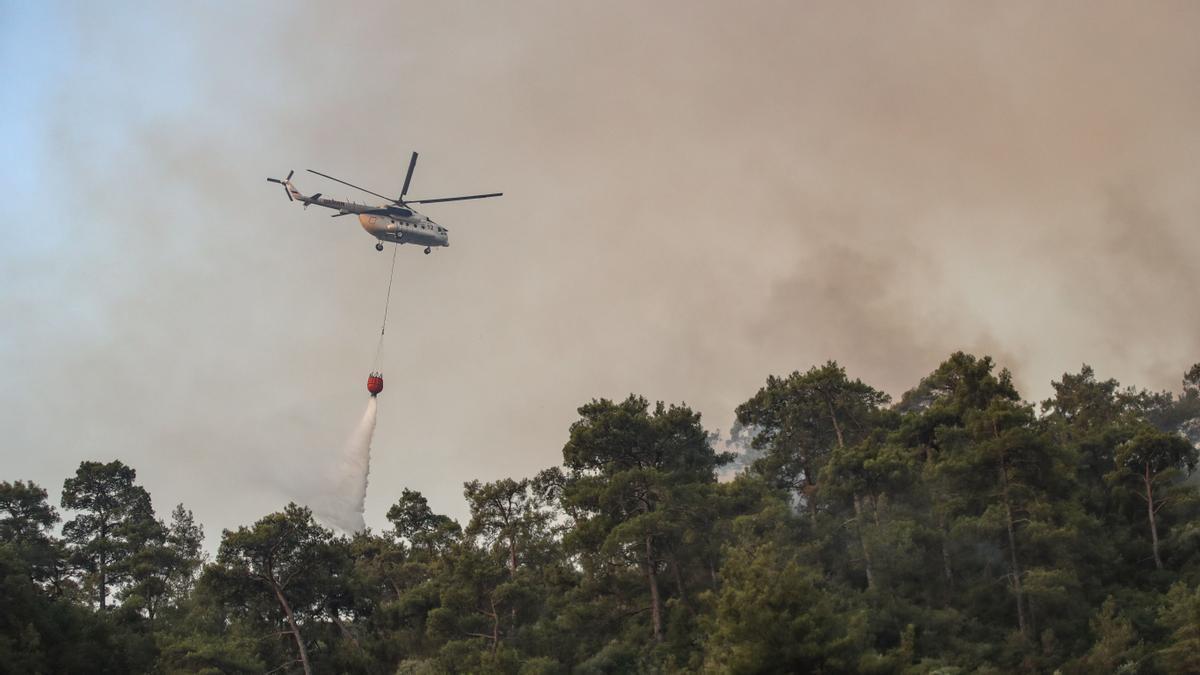 Turquía declara el estado de desastre en las zonas afectadas por los incendios forestales