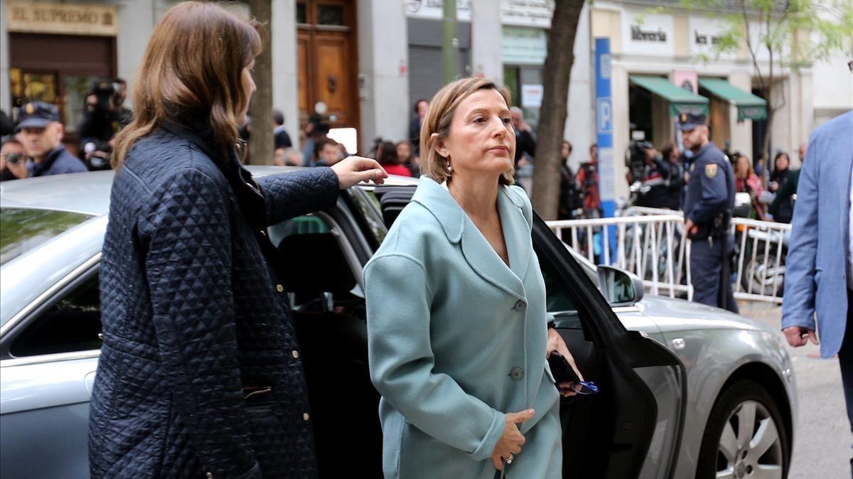 La presidenta del Parlament, Carme Forcadell, esta mañana a su llegadaal Tribunal Supremo.
