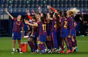 Las jugadoras del Barça se hacen un selfie después de conquistar el pasado sábado la Copa de la Reina