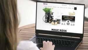 Venta 'on line' de productos de cosmética o fragancias.