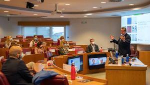 Juan Roure, profesor del IESE y director académico del programa, durante su intervención en la sesión inaugural de la sexta ediciónde de directivo a consejero