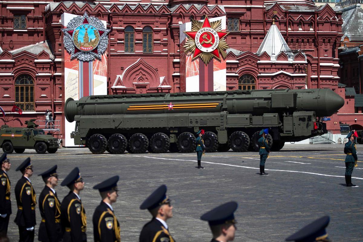 Un misil balístico RS-24 ruso en una parada militar el pasado mes de junio en Moscú.