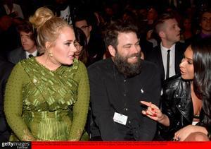 Adele y su hasta ahora marido, Simon Konecki, en una gala de los Grammy, en febrero del 2017.