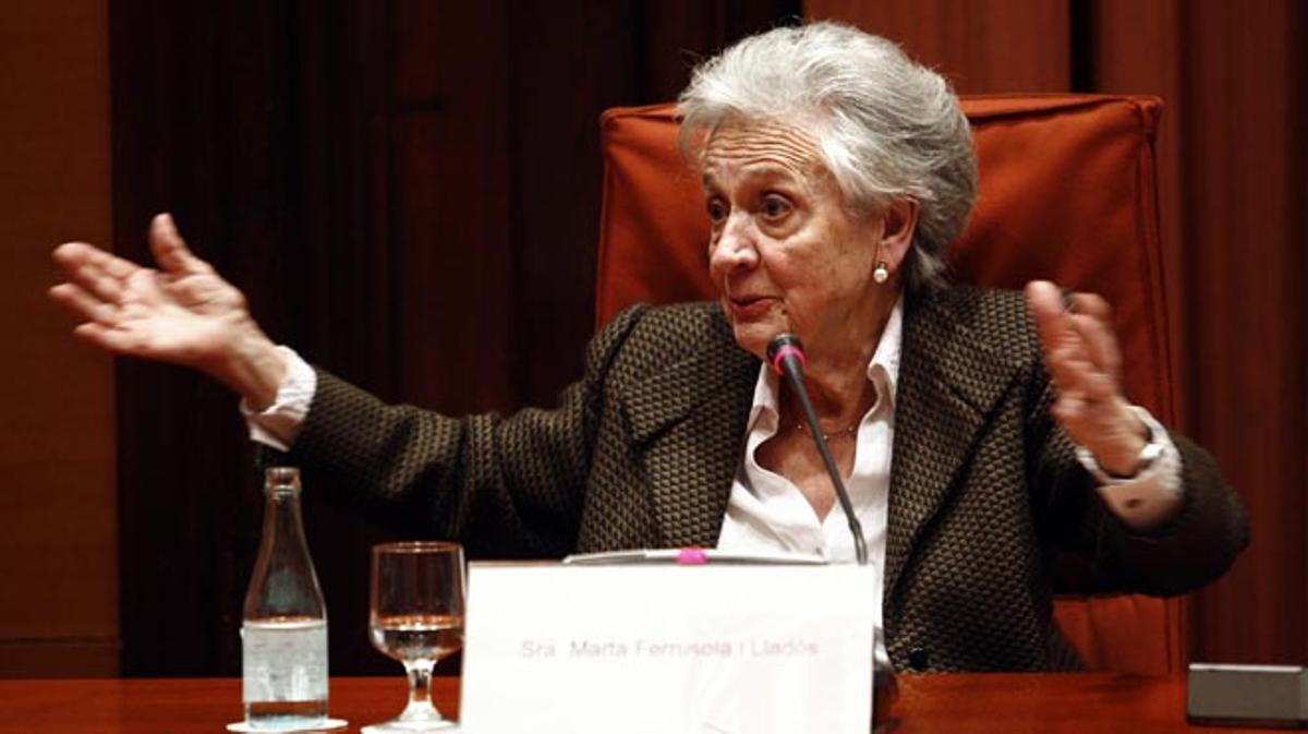 Marta Ferrusola se acoge a su derecho a no declarar en el Parlament.