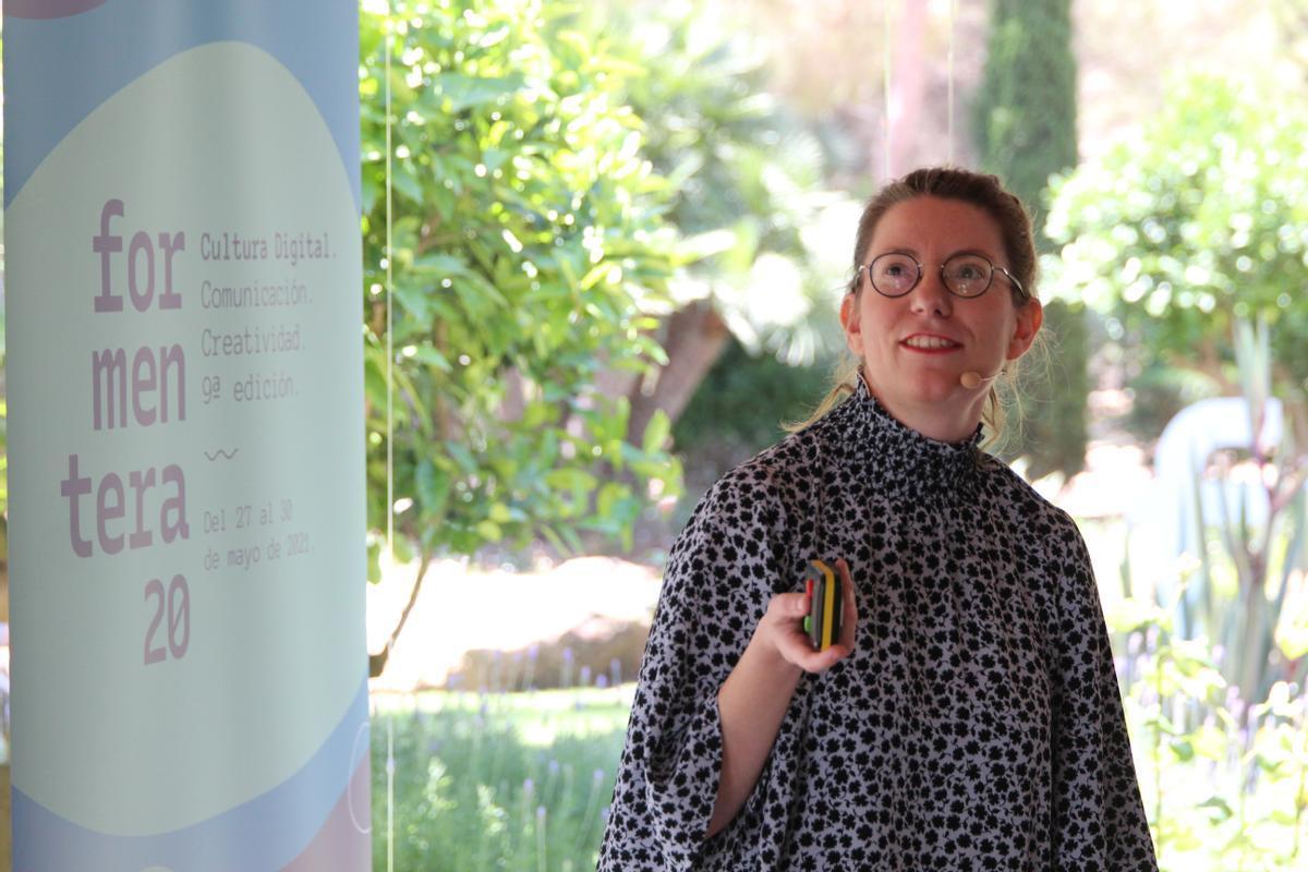 La artista y directora creativa Isabel Martínez