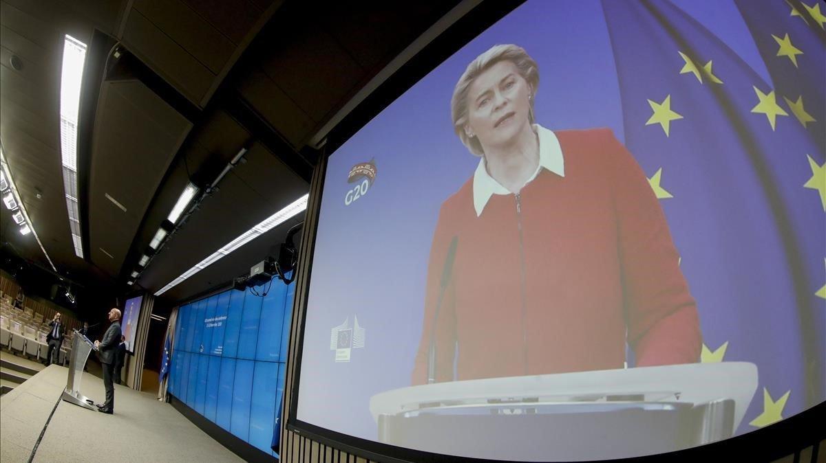 El presidente del Consejo Europeo, Charles Michel, y la de la Comisión, Ursula von der Leyen, en una rueda de prensa.