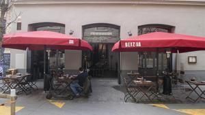 La terraza del restaurante Benzina, en Barcelona.