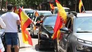 Caravana de coches en la protesta de Vox en Barcelona, el 23 de mayo del 2020.