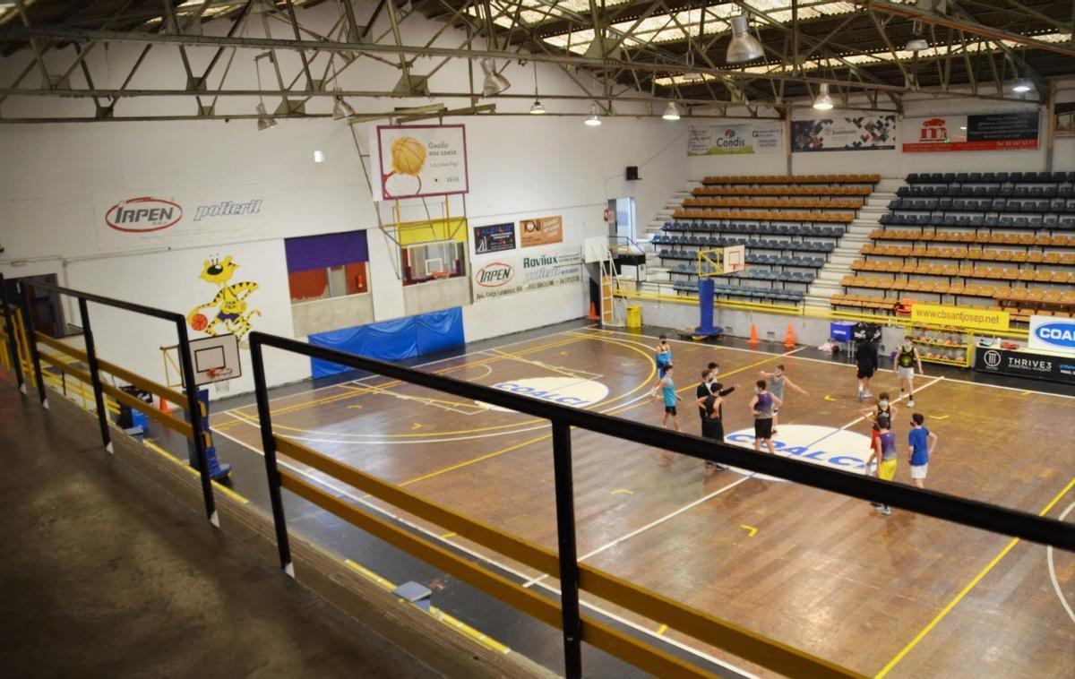 La pista de baloncesto del Centre Sant Josep de Badalona.