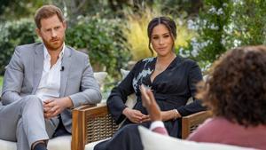 Meghan Markle y el príncipe Harry, con Oprah Winfrey.