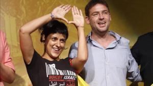 La diputada de la CUP, Anna Gabriel, y el líder de Podem, Albano Dante Fachin.