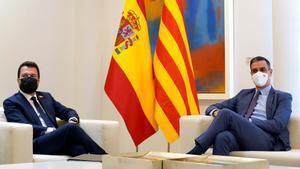 El presidente del Gobierno, Pedro Sánchez, recibe en la Moncloa por primera vez a Pere Aragonès, 'president' de la Generalitat, este 29 de junio de 2021.
