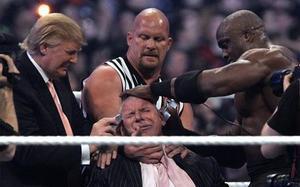 La WWE ha dejado momentos tan icónicos como Donald Trump afeitando al presidente de la compañía, Vince McMahon