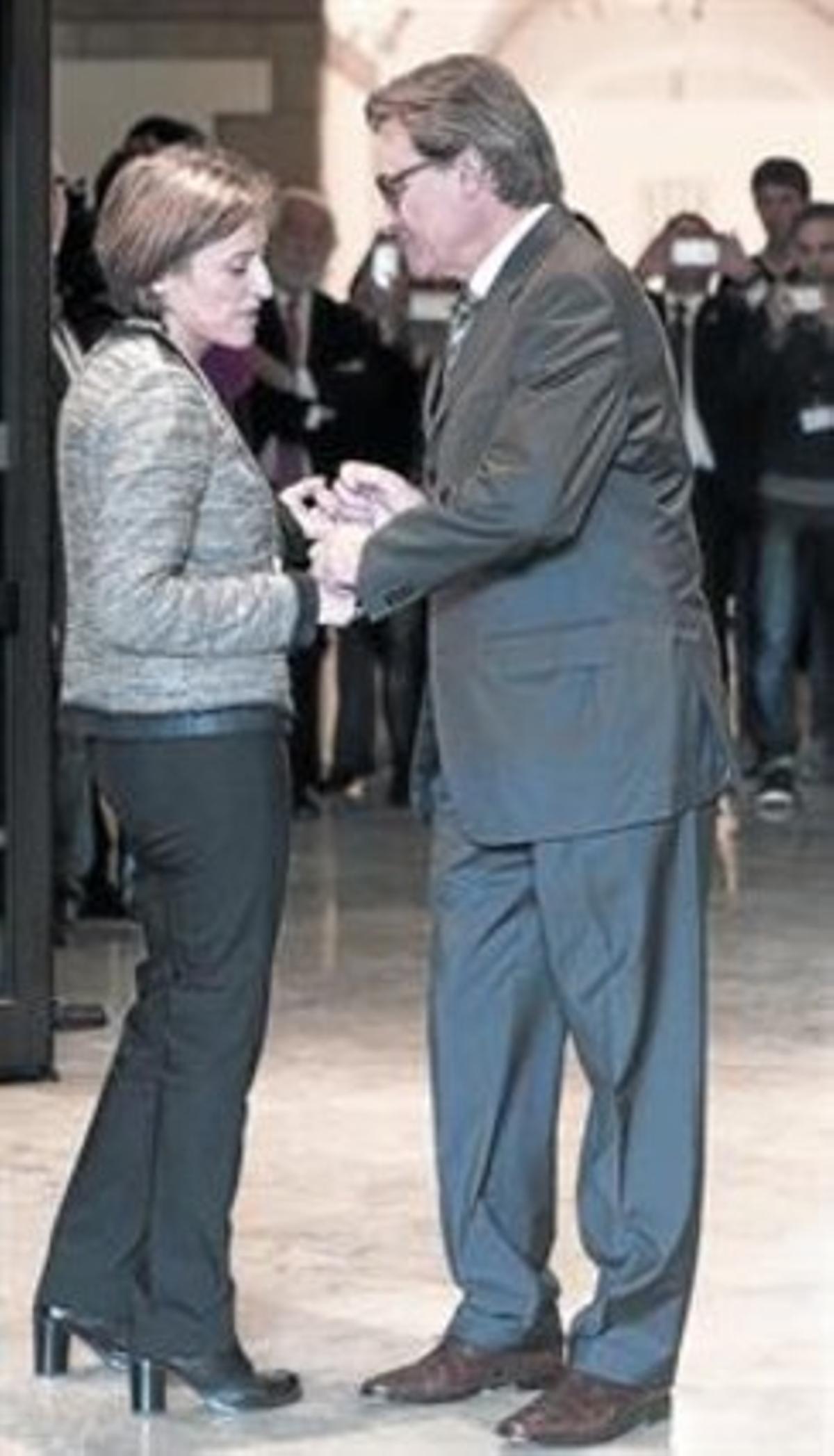 Carme Forcadell y Artur Mas, tras el pleno de constitución del Parlament.