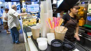 El Govern crea un impost als plàstics d'un sol ús