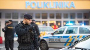 Varios muertos en un tiroteo en un hospital de la República Checa.