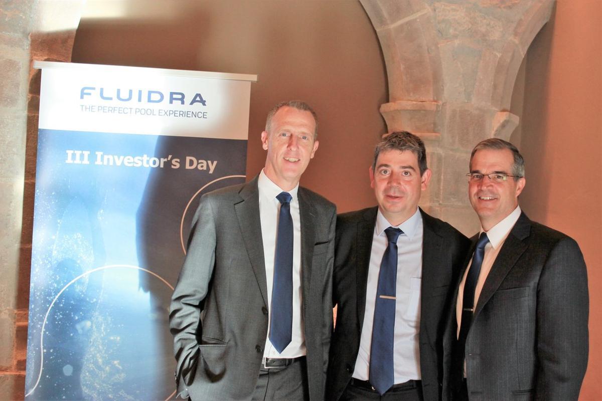 Bruce Brooks,Eloi Planes yXavier Tintore, antes de la presentación de Fluidra ante los analistas.