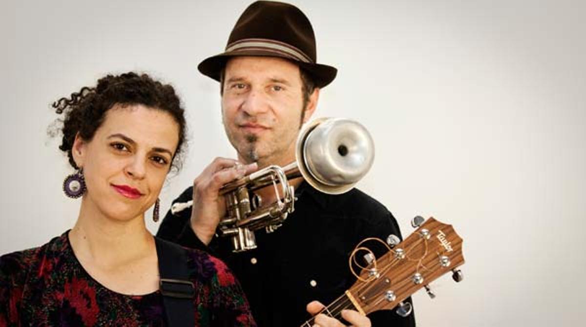 Olivenza interpreta 'Prisión en Miraflores' en acústico para EL PERIÓDICO.