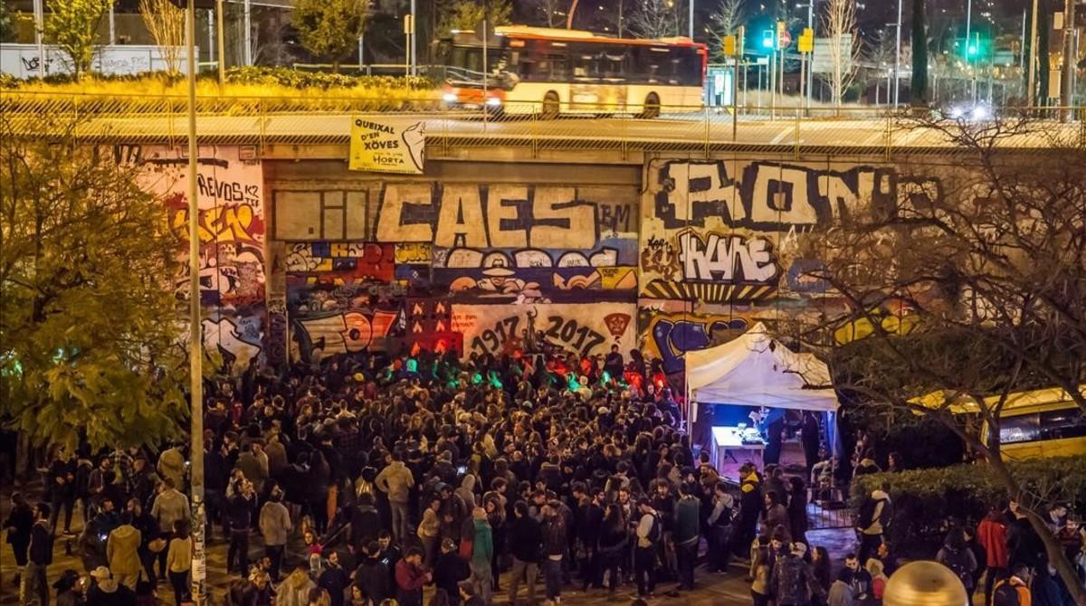 Aspecto de la Plaza Boticelli de Horta durante la fiesta del Anxöva Reggae el sábado 11 de marzo.