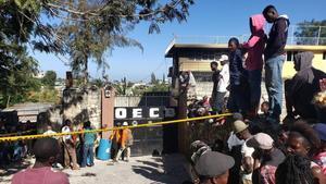 El orfanato incendiado en Puerto Príncipe, Haití.