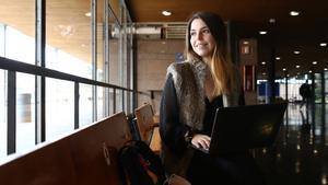 Berta joven universitaria en la Facultad de Derecho