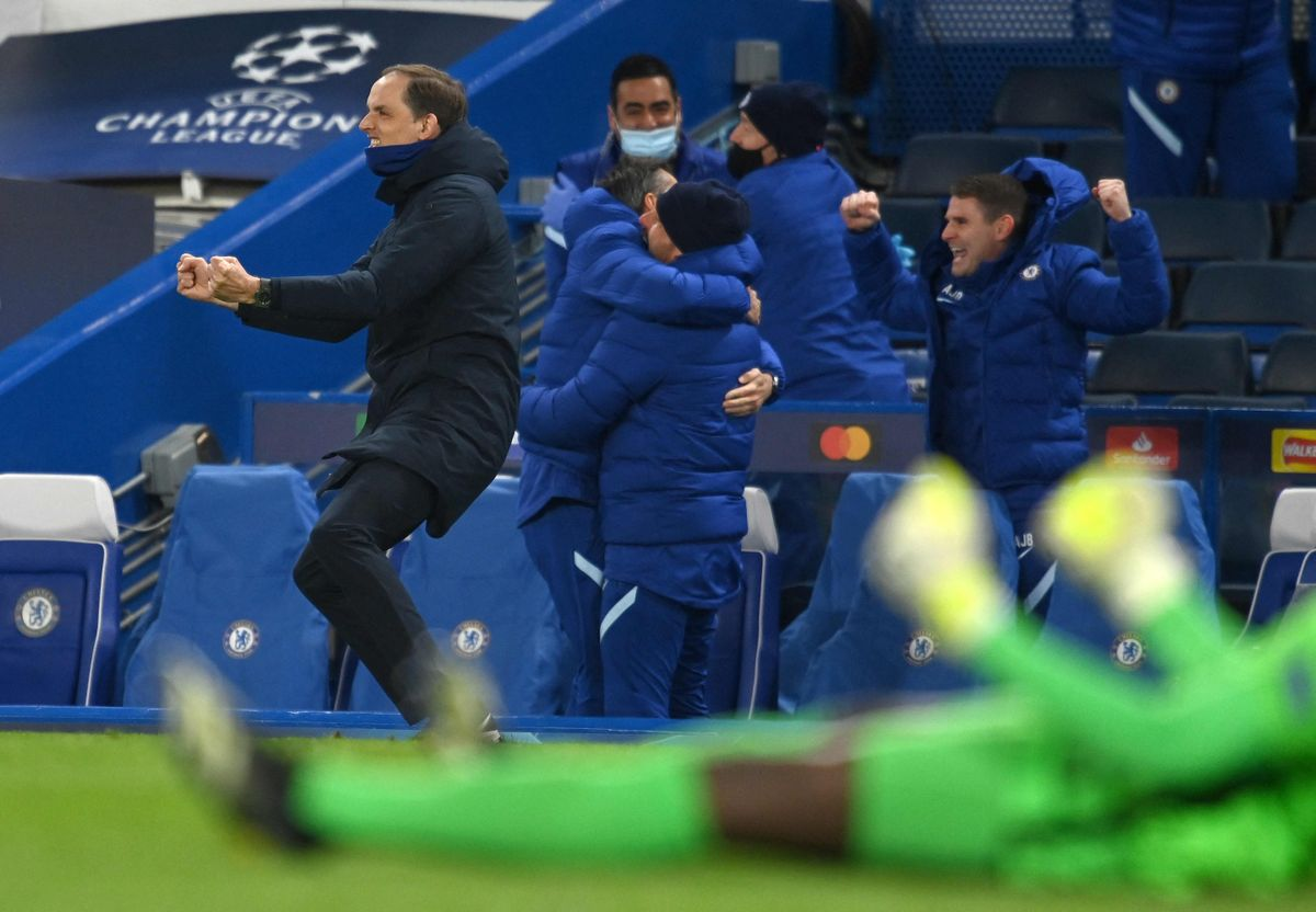 El banquillo del Chelsea celebra el segundo tanto ante el Madrid, en la Champions.