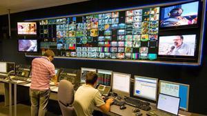 Centro de control de la televisión digital terrestre (TDT) de Abertis Telecom en la Torre de Collserola.