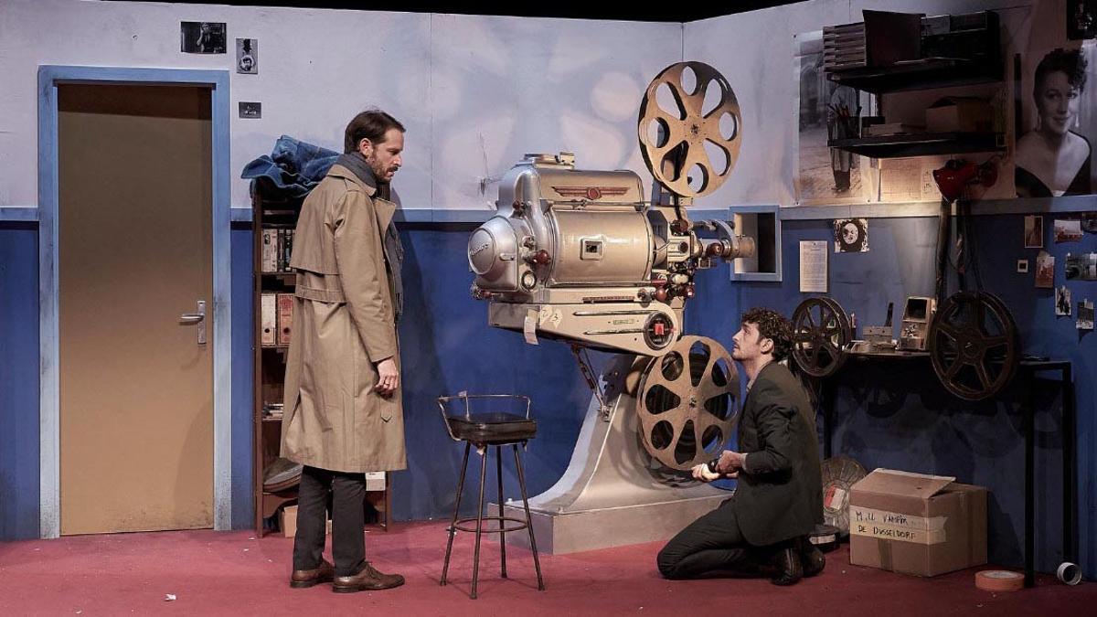 Albert Prat (izquierda) y Sergi Torrecilla en 'Els subornats', de Lluïsa Cunillé.