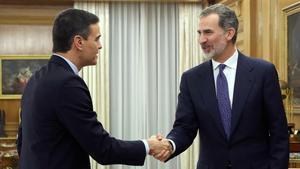 El Rey recibe al presidente del Gobierno en funciones, Pedro Sánchez, durante las consultas para la investidura.