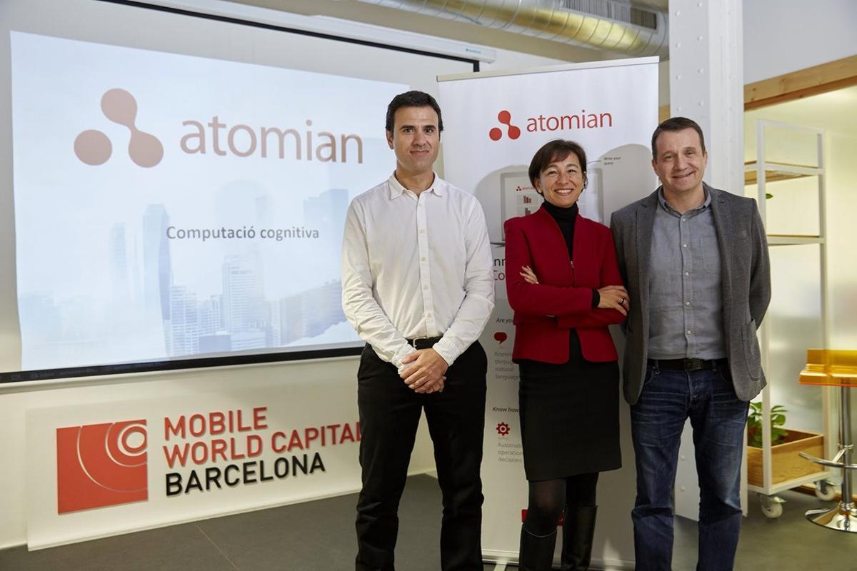 Rueda de prensa de Atomian conMiquel Montero de Quadras, Beatriz Cabreray Miquel Martí.