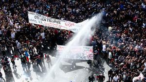 La justícia grega considera una «organització criminal» el partit ultra Alba Daurada
