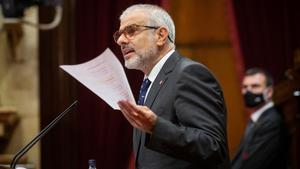 El jefe de la oposición, Carlos Carrizosa, en el hemiciclo del Parlament.